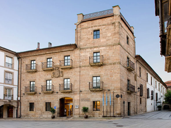 El NH Collection Palacio de Aviles, en un espectacular Palacio del siglo XVII del centro de la ciudad, es uno de nuestros hoteles preferidos del norte de España.