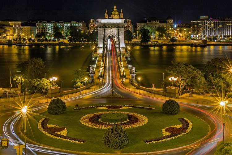 Puente de las cadenas de Budapest, Hungría