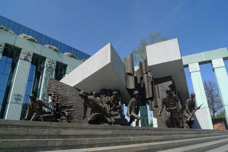 Monumento a los Héroes del Alzamiento de Varsovia. Foto © Ángel Ingelmo