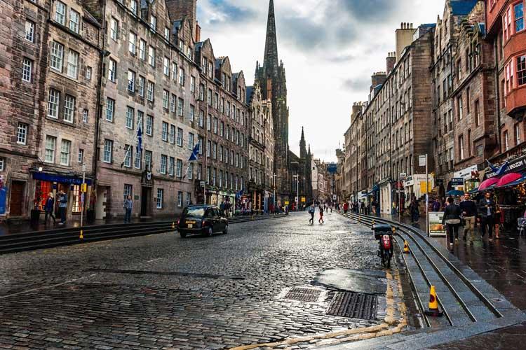 Edimburgo Royal Mile Frikitrip. Viajar en el día del padre en Tu Gran Viaje