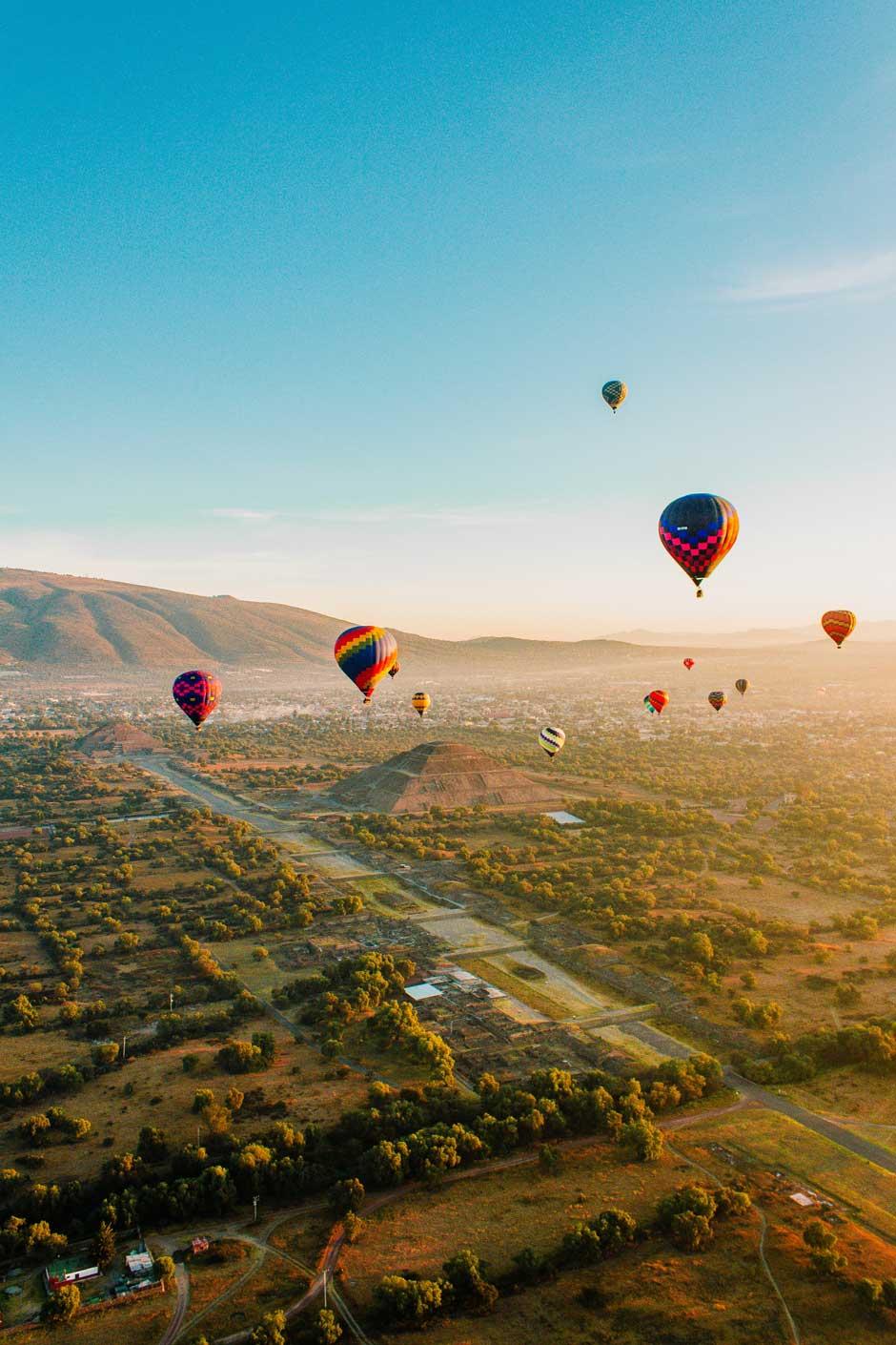 Una experiencia viajera inolvidable: sobrevolar en globo Teotihuacan | Tu Gran Viaje