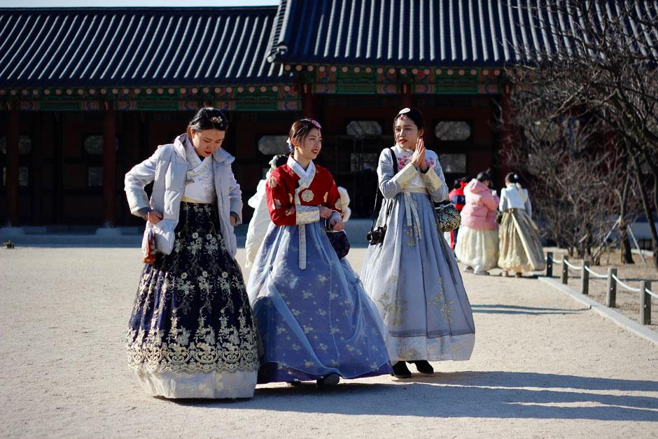 Foto Kseniya Petukhova - Unsplash Toda la inspiración, teñida de tradición, que necesitas para viajar a Seúl, a fascinante capital de Corea del Sur, repleta de historia. Tu Gran Viaje