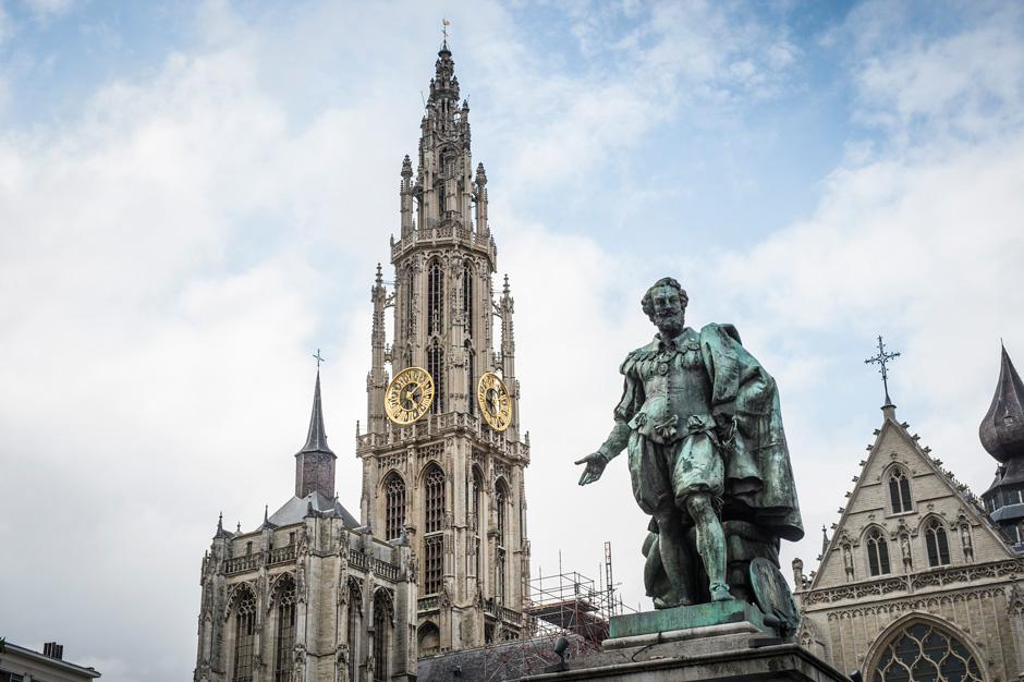 Groenplaats Groenplaats with statue of Rubens.  (c) Kris Jacobs