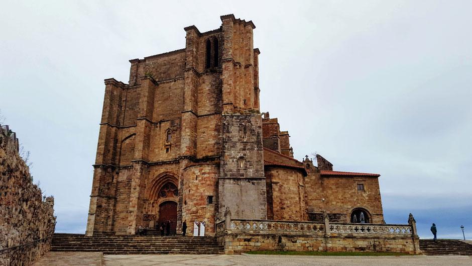 Escapada a Castro Urdiales | Iglesia de Santa María de la Asunción © Tu Gran Viaje | Hotel Sercotel Las Rocas