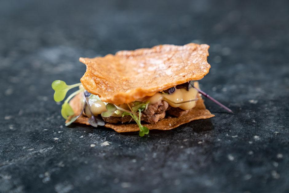 Montado de pringá de cocido de Casa Elena | Tres platos de cuchara para dar la bienvenida a la primavera | Tu Gran Viaje