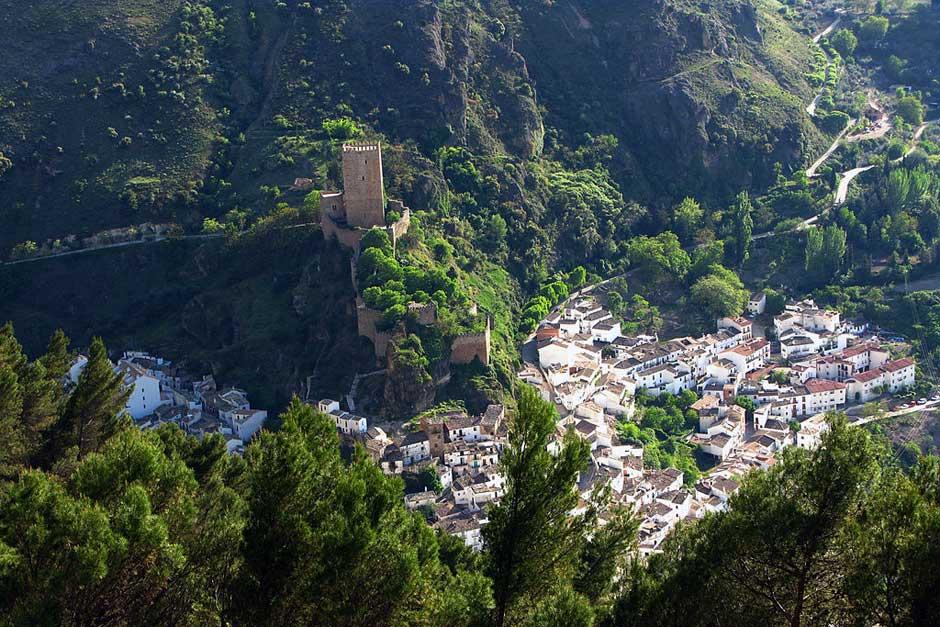 Cazorla, pueblo de frontera, villa de castillos