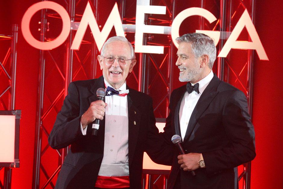 OMEGA celebra el 50 aniversario del primer alunizaje con George Clooney y una impresionante representación de veteranos de la NASA; entre ellos, Charlie Duke, Thomas Stafford… y Buzz Aldrin, la leyenda del Apolo 11.