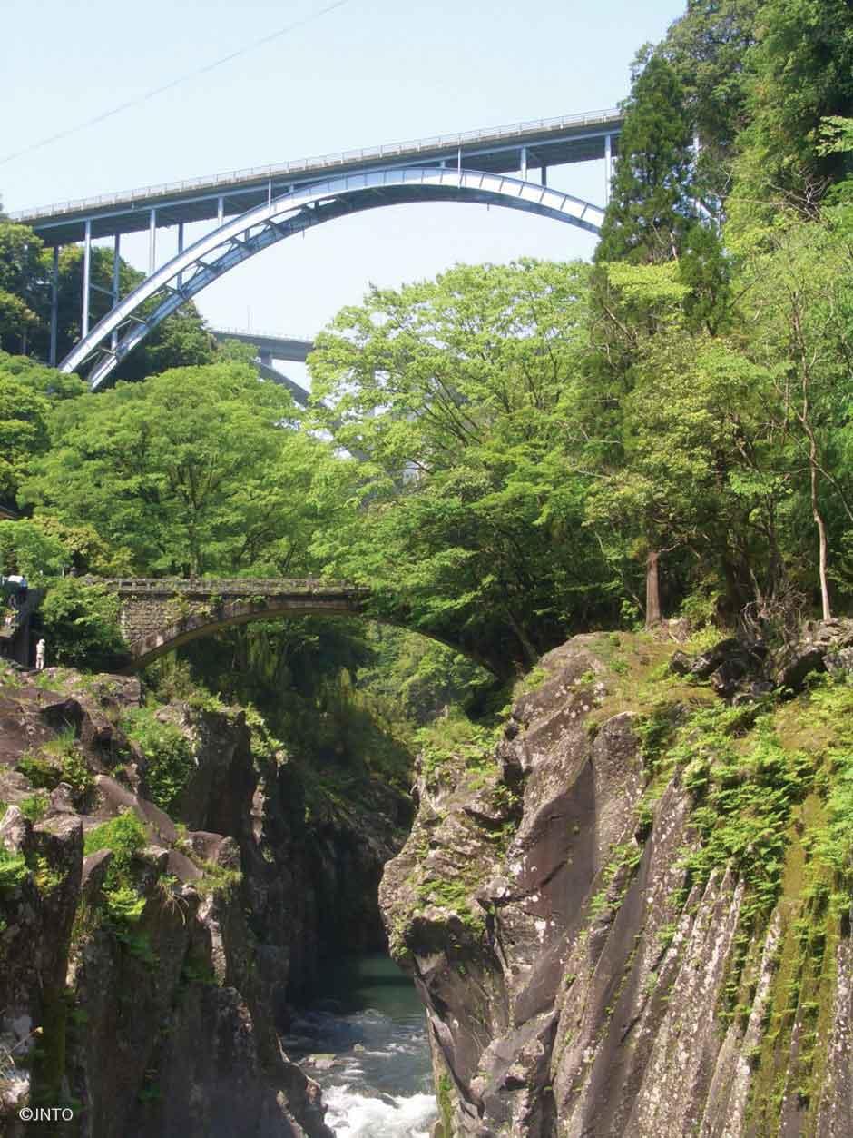 Viajar a Miyazaki es descubrir un Japón diferente anclado en el tiempo. Una prefectura repleta de sabor viajero cuyos secretos te desvelamos en Tu Gran Viaje