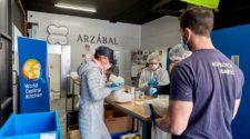 World Central Kitchen, la ONG del chef José Andrés, arranca en España la iniciativa #ChefsForSpain, para hacer llegar comida a sectores más desprotegidos en la crisis del coronavirus | Tu Gran Viaje