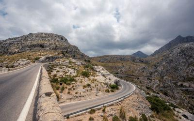 Las mejores rutas en coche para viajar por España