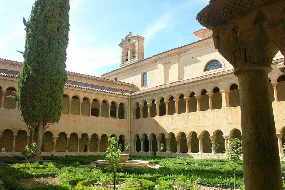 Visitar el monasterio de Santo Domingo de Silos en Brugos | Tu Gran Viaje