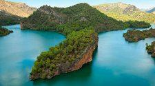 Ni te lo creerás: mira qué cinco playas de interior más alucinantes tenemos en España para que disfrutes al máximo. ¡Mejor que en el Caribe! | Tu Gran Viaje