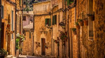 Postal desde Mallorca en verano (sin pisar la playa pero viendo el mar) | Tu Gran Viaje. Foto Patrick Baum / Unsplash