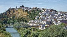 Ruta por los pueblos más bonitos de Cádiz (I): de Arcos de la Frontera a Caños de Meca | Tu Gran Viaje