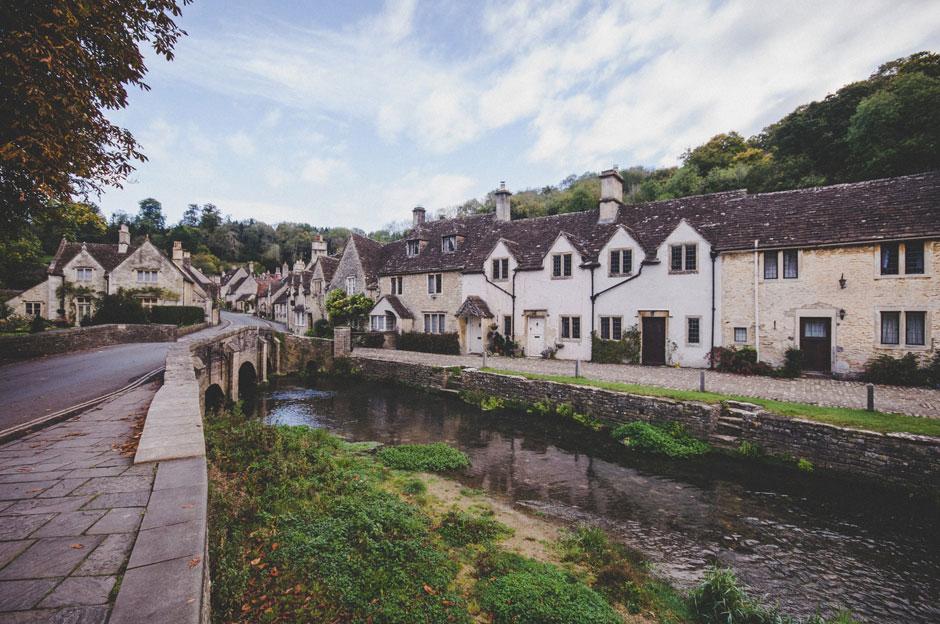 Postal desde Castle Combe, uno de los pueblos más bonitos de los Cotswolds Inglaterra | Tu Gran Viaje