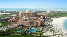 Nos hemos colado en el hotel Emirates Palace de Abu Dhabi, donde se cree que está alojado el Rey Emérito Juan Carlos I, ¡y las imágenes son espectaculares!