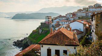 Postal desde Lastres, uno de los pueblos más bonitos de Asturias. Foto CC 2.0 by Rodrigo Suárez