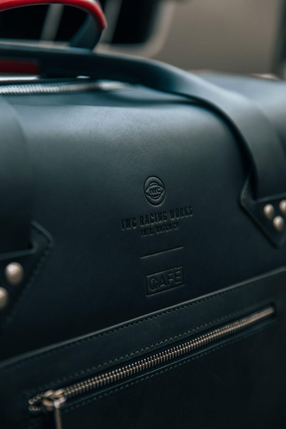 Café Leather x IWC, una exquisita colección de complementos de viaje | Tu Gran Viaje