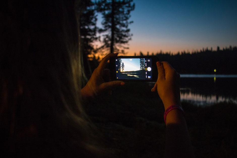 El 19 de agosto es el Día Internacional de la Fotografía: te descubrirmos los mejores trucos y accesorios para que hagas las mejores fotos con el móvil   Tu Gran Viaje la casa de las carcasas